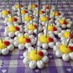 Bomboniere segnaposto battesimo - nascita - comunione - matrimonio, margherite fiori cuori, personalizzate in fimo