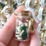 Bomboniere matrimonio signore degli anelli, bottigliette vetro, nerd personalizzate in fimo