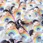 Bomboniere personalizzate in fimo con arcobaleno kawaii per bambina bambini - battesimo, compleanno, comunione, cresima