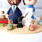cake topper elegante personalizzato in fimo fatto a mano artigianale - idee matrimonio a tema, nozze - sposi sposo cagnolino cane - harry potter, pozioni, libri - statuine torta