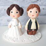 cake topper elegante personalizzato in fimo fatto a mano artigianale - idee matrimonio a tema, nozze - sposi sposo - star wars, guerre stellari, han solo, principessa leila leia - statuine torta