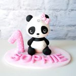 cake topper personalizzato in fimo fatto a mano artigianale, panda pandina kawaii animali, primo compleanno - nascita - battesimo statuina torta
