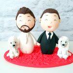 Cake topper fatto a mano artigianale - matrimonio nozze unione civile- sposi rainbow, lgbt, gay - statuine torta personalizzato in fimo