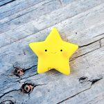 Bomboniera fatta a mano artigianale, stella stellina kawaii faccina, battesimo, baby shower, compleanno, personalizzate in fimo