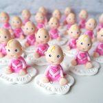 Bomboniere originali babygirl baby eroina supereroe - bambina babyshower - nascita - battesimo - primo compleanno, personalizzate in fimo